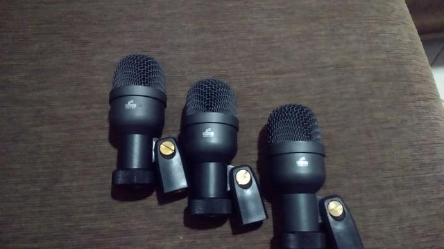 Microfones para bateria otimo preco vendo ou troco por equipamentos de bateria !!