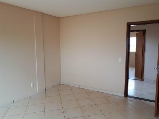 Rua 10 casa com 5 quartos condomínio top troca 9  * - Foto 4
