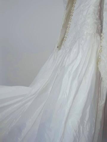 Vendo Vestido de Noiva - Grife de SP (nunca foi usado) - Foto 4