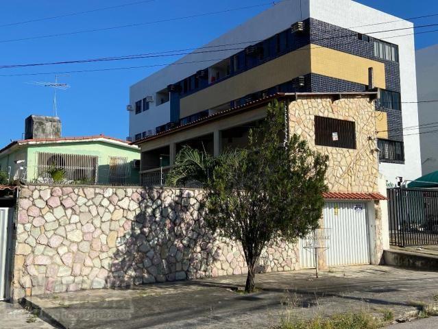 Casa com 5 Quartos à Venda, 360 m² por R$ 620.000 - Foto 2