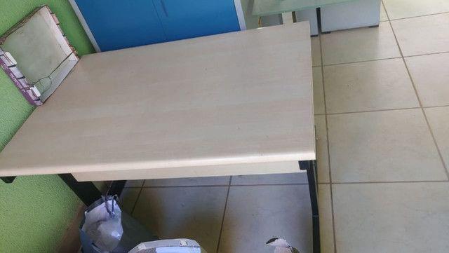 Mesa para escritorio 1,20 x 0,83 x 0,77Alt