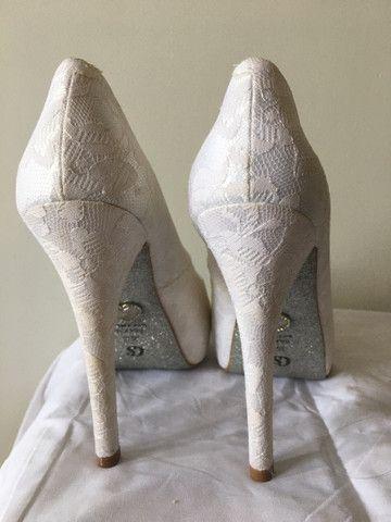 Sapato de noiva Carmen Steffens 37 - Foto 2