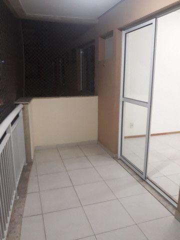 Maravilhoso apartamento 3qtos sendo um suíte  - Foto 6