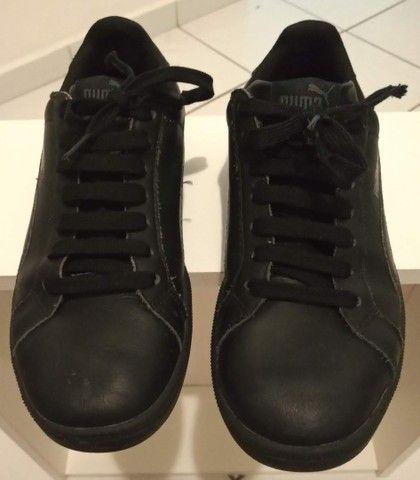 Tênis Puma preto em couro tamanho 36  - Foto 4