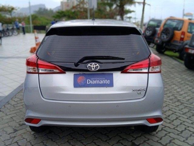 Toyota Yaris 2021 com 17.000km muito novo! - Foto 3