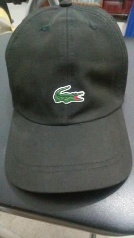 1fae5e2e0ca Vendo chapéu da Lacoste - Bijouterias