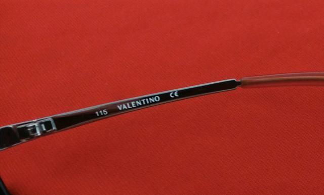 2b5472d698d6e Óculos De Sol Valentino Unissex Original - Bijouterias