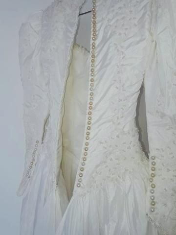 Vendo Vestido de Noiva - Grife de SP (nunca foi usado) - Foto 3