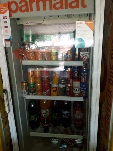 Vendo expositor de um freezer para ir logo todos os dois funcionando perfeitamente