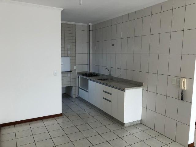 Apartamento à Venda, 76,00m² àrea privativa - 1 suíte + 2 quartos - Ilha da Figueira - Foto 6