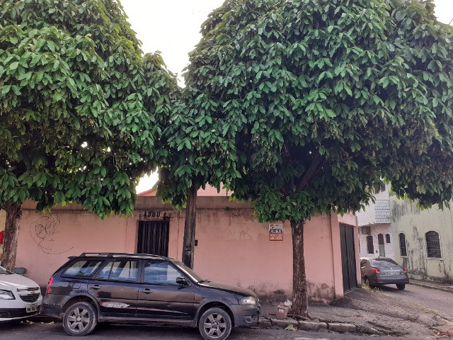 Centro - Casa Plana 308,00m² com 3 quartos e 2 vagas
