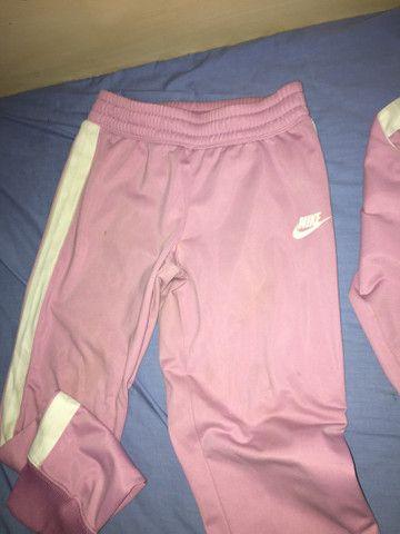Conjunto Nike menina tamanho M juvenil  - Foto 3