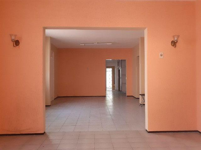 Centro - Casa Plana 308,00m² com 3 quartos e 2 vagas - Foto 8