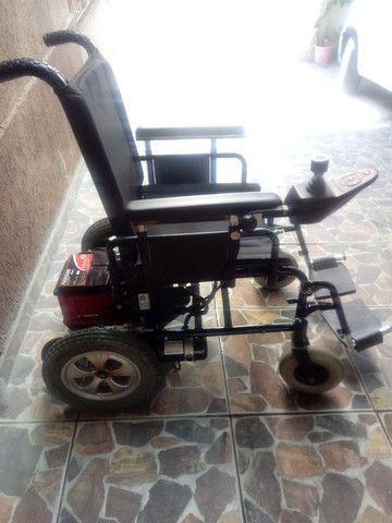 Cadeira de rodas motorizada - Foto 3