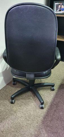 Cadeira executiva de couro