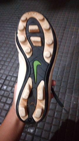 Chuteira campo Nike numero 31 entrego limpa  - Foto 3