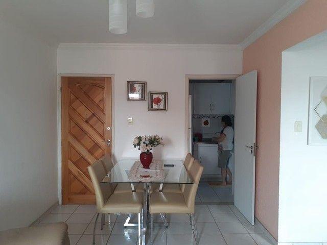 Lindo apartamento nos Bultrins com mobília 135 mil. - Foto 2