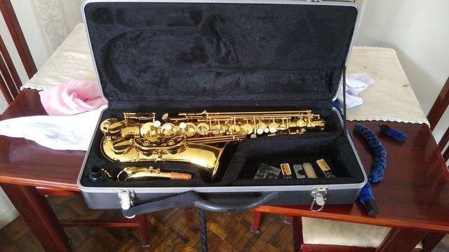 Saxofone semi-novo profissional - Foto 2