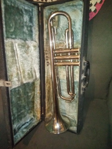 Trompete Completo com Estojo - Foto 6