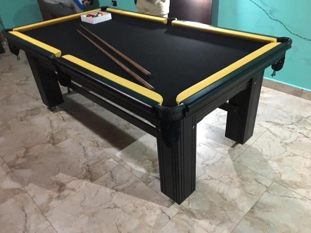 Mesa Madeira e Jantar   Mesa Preta   Tecido Preto   Borda Amarela   Modelo: OIJC6346