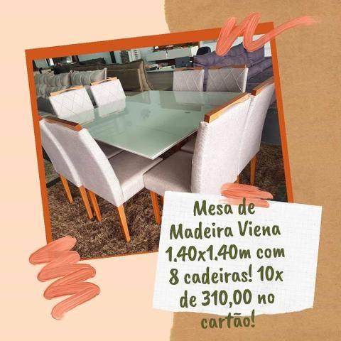 Mesa de Madeira 1.40x1.40m com 8 cadeiras de Madeira! 10x de 310,00 no cartão!
