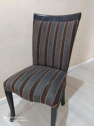 Cadeira com defeito na perna