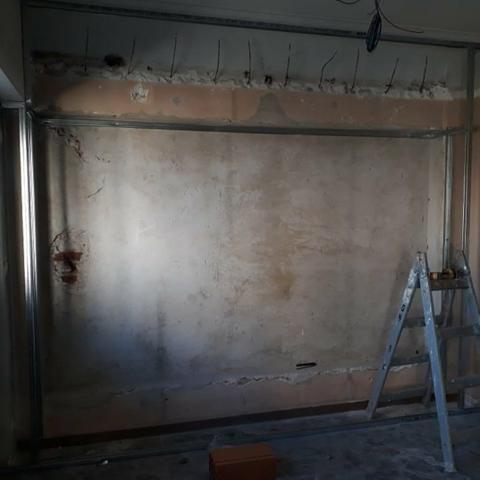 Rebaixamento de teto - divisórias - elétrica - pintura - forro mineral - piso laminado - Foto 5