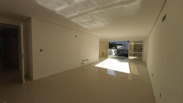 Apartamento de um dormitório na quadra do mar em Torres - Foto 3