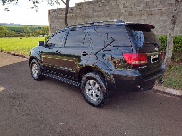 Hilux Sw4 2007 diesel 7 lugares pneus novos aceito troca - Foto 3