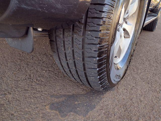 Hilux Sw4 2007 diesel 7 lugares pneus novos aceito troca - Foto 8