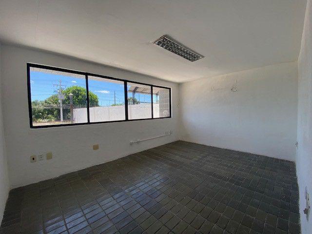 Imóvel comercial em Olinda na avenida PE-15, 9 salas, 12 vagas, 4 wc's - Foto 15
