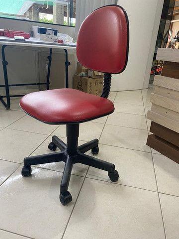 Cadeira executiva vermelha