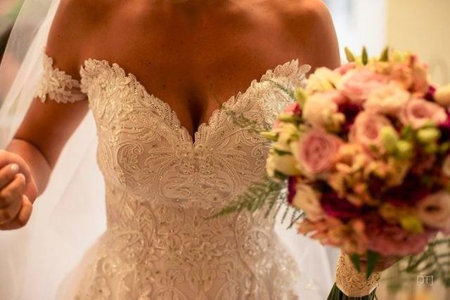 Vestido Noiva Patricia Sabia Alta Costura 15f49f208a54