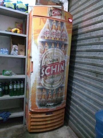 Cervejeira gela muito !