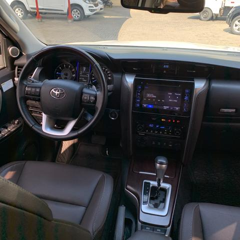 Toyota SW4 2017 7 lugares diesel - Foto 9