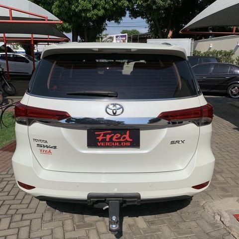 Toyota SW4 2017 7 lugares diesel - Foto 7