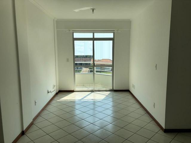Apartamento à Venda, 76,00m² àrea privativa - 1 suíte + 2 quartos - Ilha da Figueira - Foto 3