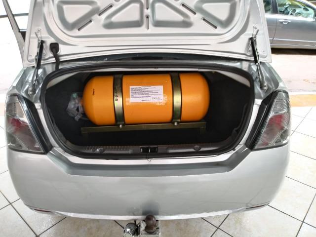 Fiesta 1.6 Mpi Class Sedan 8V Flex 4 portas Manual 2013 - Foto 7
