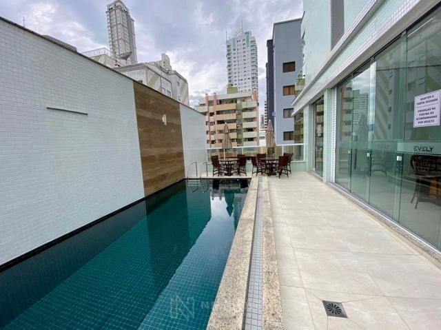 Apartamento andar alto com 3 Suítes 2 Vagas no Centro em Balneário Camboriú - Foto 10