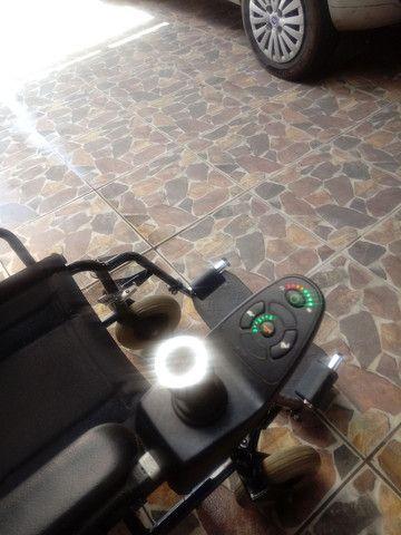 Cadeira de rodas motorizada - Foto 4