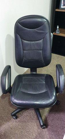 Cadeira executiva de couro  - Foto 2