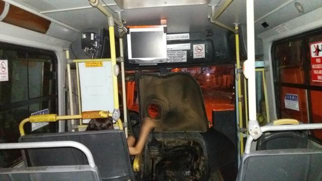 Vendo ou troco ônibus - Foto 5