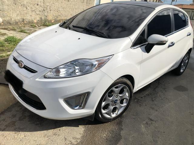New Fiesta SE hatch 12/12 Novinho baixa km !!