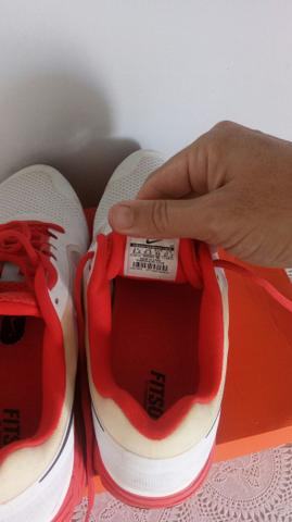 f51c40b5c12 Tenis nike branco e vermelho novo numero 40 - Roupas e calçados ...
