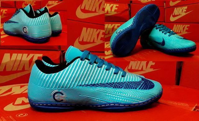 e7313b9c8e54b LIQUIDAÇÃO Chuteira society ou futsal Nike - Esportes e ginástica no ...