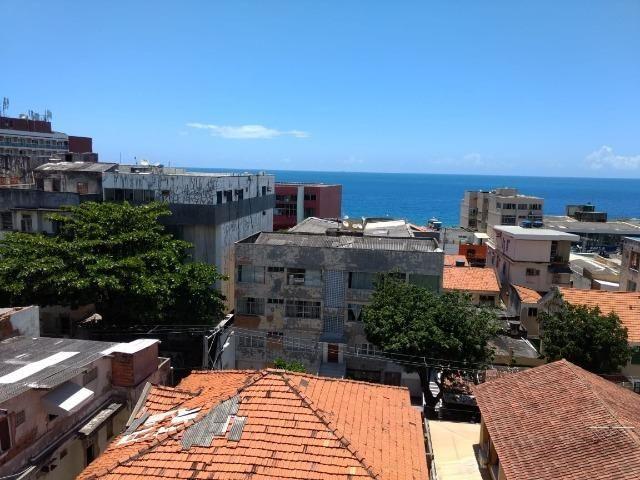 Aptº de 1/4 com varanda e vista mar na Barra - Foto 7