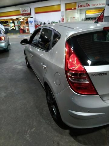 Hyundai I30 c/TETO 2011 Baixo KM - Foto 2