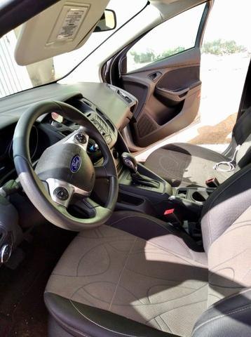 Ford Focus 2014 automático - Foto 4