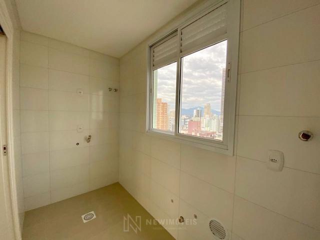 Apartamento andar alto com 3 Suítes 2 Vagas no Centro em Balneário Camboriú - Foto 19