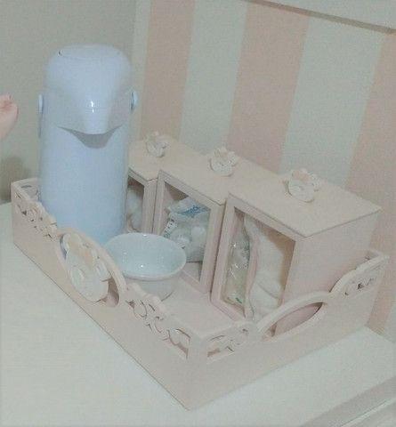 Bandeja Kit Higiene Ursa + 3 potes + Agueiro + Garrafa Térmica. Do ateliê Rita Hosken - Foto 4
